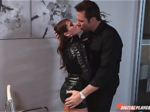 Madison Ivy has her puffy gash speared