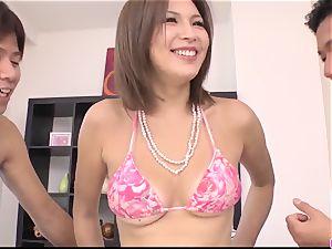 suntanned Mai Kuroki practice with 2 masculines