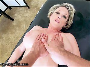 FantasyMassage cougar Dee Williams point of view burst massage