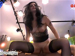 timid Alice experience Monster penis for the first time