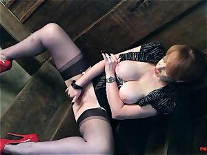 nasty british mature red frigs her wet snatch