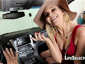 talkative mummy Aaliyah love gives a deep throat in your car