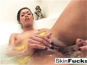 flesh Diamond kinky tub playtime