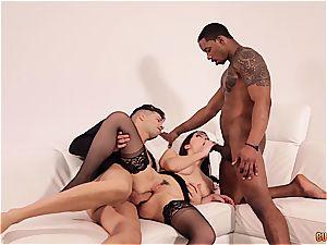 Valentina Nappi gets DPd by a dark-hued and a milky man
