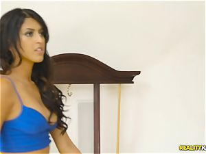 super-naughty real estate agent Sophia Leone sticks a customers schlong in her throat
