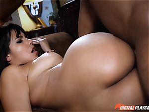 Rose Monroe is peed off but fixes it with angry intercourse