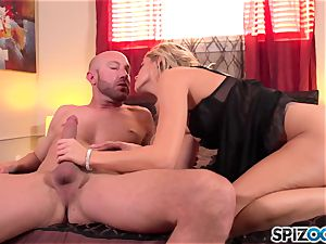 Spizoo - beautiful Jessa Rhodes is porked by a phat meatpipe