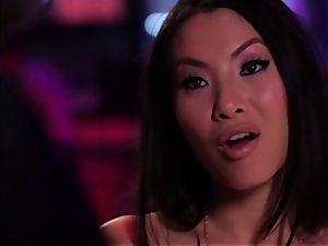 Asa Akira gives this stud some serious experience