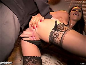 Romi Rain - epic scorching first-timer porn in the street