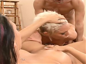 Rachel Starr mouth ravages this hard pulsing knob