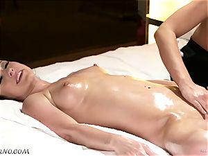 lustful masseuse tempts her buddy Jennifer milky