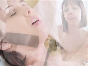 torrid minge luving lesbians Jenna Sativa and Olive Glass