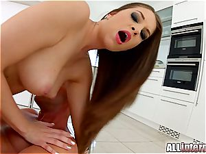 Angelina Brill receives a messy creampie