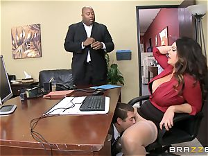 Alison Tyler gets her round puss dicked in the office