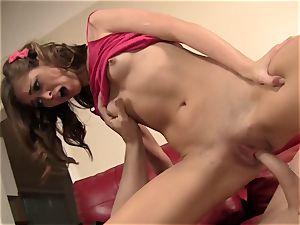 Riley Reid Has Her very cock-squeezing vulva