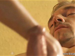 The best Golden hand-job massage Ever