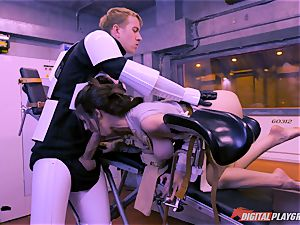 Stella Cox vulva hammered by a space agent