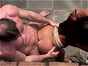 Jade's super-hot threeway in the backyard