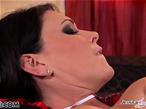 Jessica Jaymes and Nikki bang each other, giant boobies