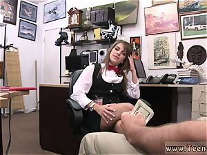 Public pool nubile bj Card dealer cashes in that muff!
